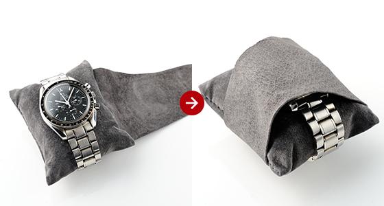 保護カバー革付きのマクラが時計を優しく守る