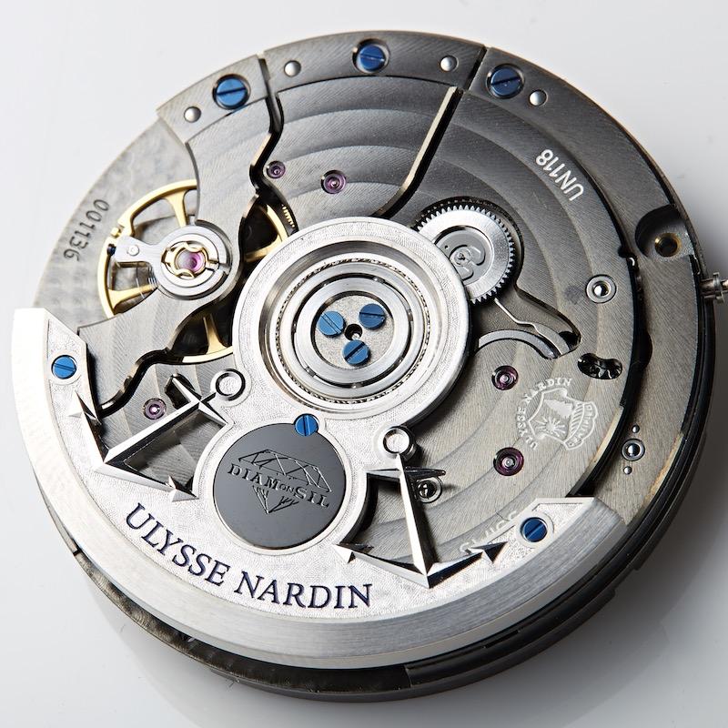 ↑Cal.UN-118は、人工ダイヤモンドでコーティングしたシリシウム「ダイヤモンシル」を、アンクルとガンギ車に採用。耐久性と耐磁性を高めた