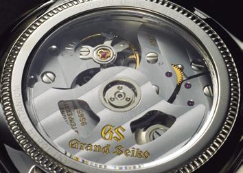 ↑伝統と先進技術を融合した機械式キャリバー9S65。最大持続時間は約72時間だ