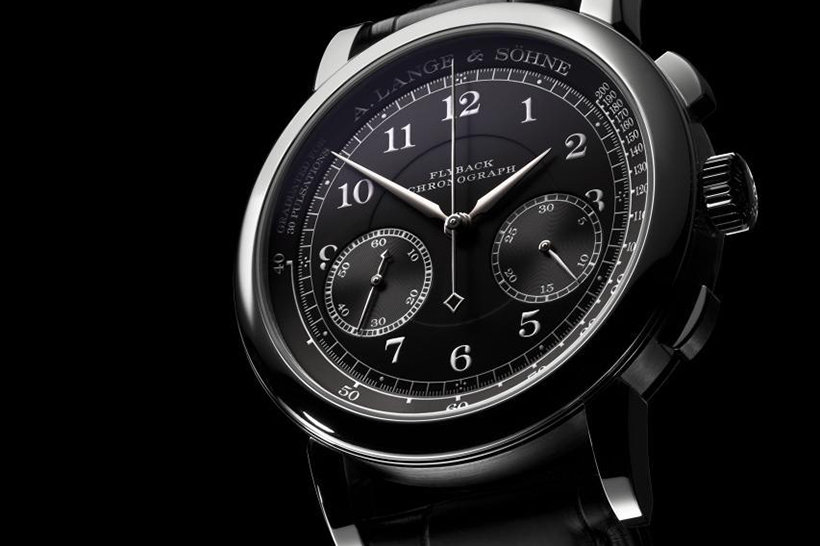 In the 1815 CHRONOGRAPH, chronographic precision is enhanced by the precisely jumping minute counter and the flyback function. Now, it is presented with a jet-black solid-silver dial and an additional pulsometer scale, with which heart rates can be determined.