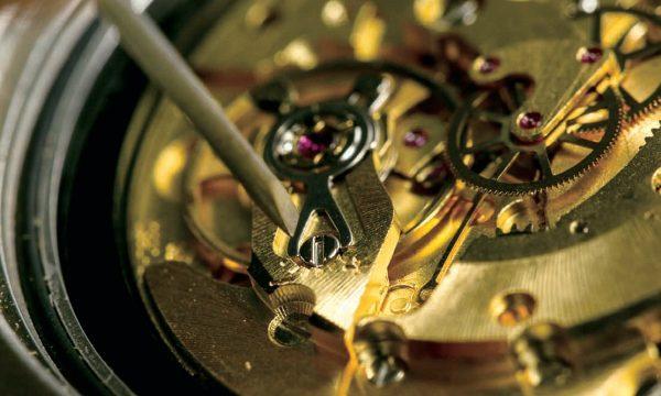 その行為が逆効果に!?覚えておきたい時計マナーの常識集【ユーズ&ケア編】