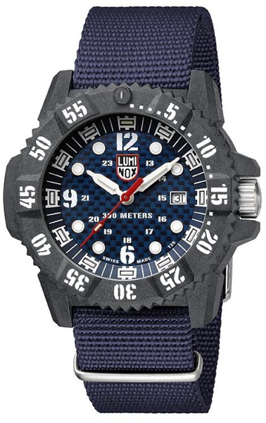 ↑ルミノックス「MASTER CARBON SEAL 3800 SERIES」8万9640/Ref.3803/Ronda 715 HH6/300m防水/直径46mm、厚さ14mm