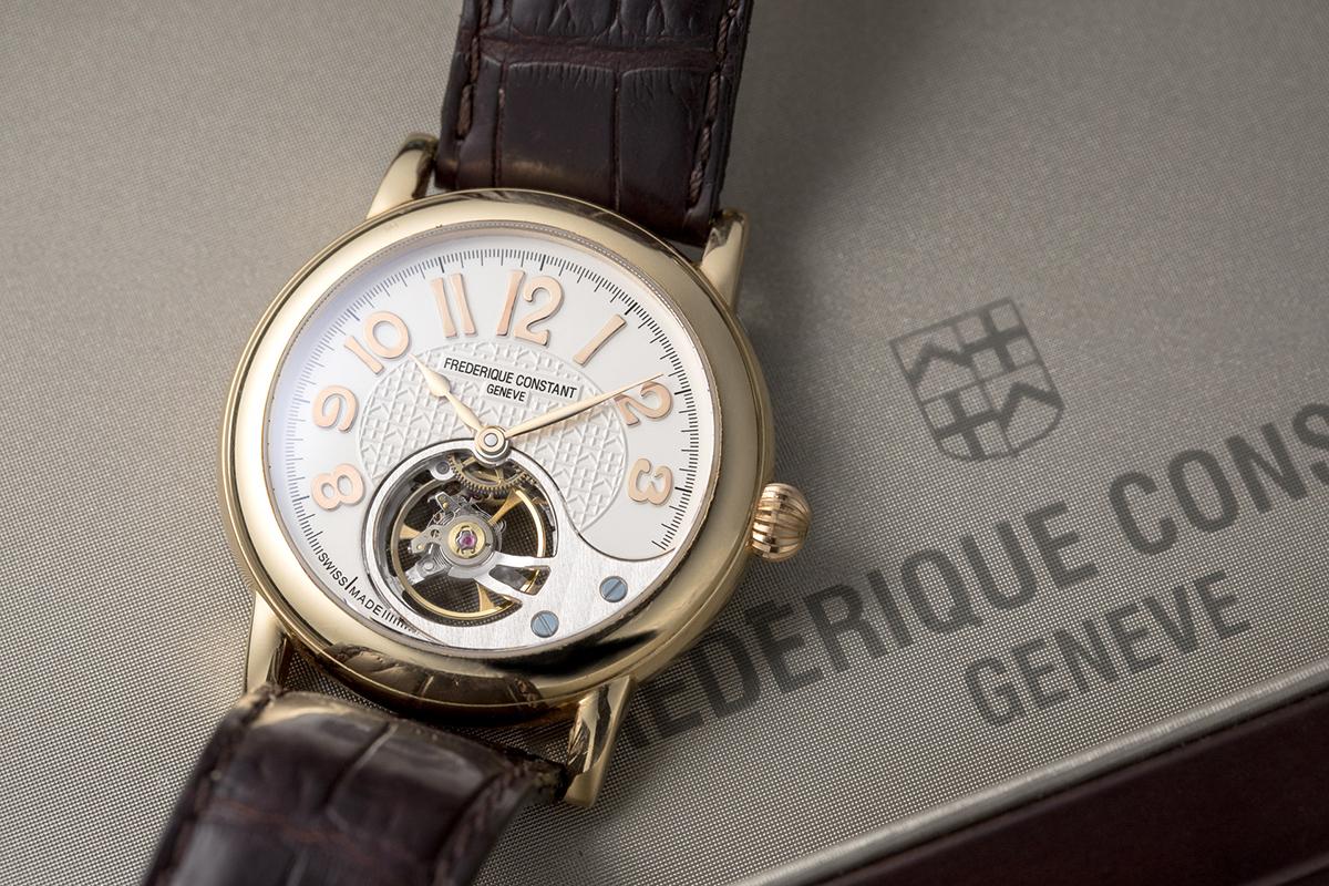 ↑最初に手がけたハートビート マニュファクチュールFC-910搭載の第一弾モデル。世界限定500本の時計製造は、すべてピム氏が一人で組み上げたという。ピム氏の愛用機は、2本目に製作したものだという