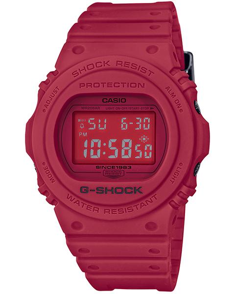 「DW-5735C」1万7820円。初期のデジタル液晶の丸型デザインが人気を博したDW-5700がベース