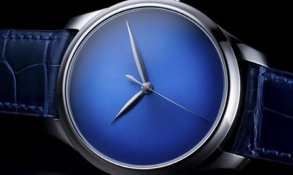 """""""VERY RARE""""な腕時計を作り続けるH.モーザーが手がけた新たな希少モデルは「真っ黒」&「日本限定」"""