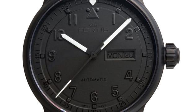 宇宙飛行士の腕時計を製作してきた「フォルティス」の新作ウオッチ!――「フリーガープロ JP」「ブラックアウト 2」