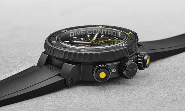 漆黒の深海にも耐える高性能ダイバーズ!プロ潜水士のために生まれた「オリス ダイブコントロール リミテッドエディション」