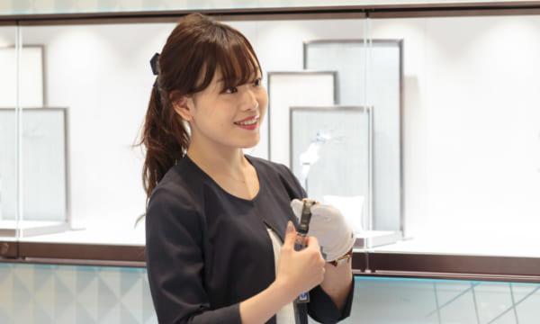 「人生の節目の記念に時計を選んでほしい」岡山TOMIYAの女性スタッフに聞く時計の魅力