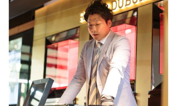 「自分が使っている時計は接客しやすい」岡山TOMIYAの名物スタッフに聞く時計の魅力